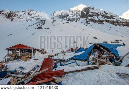 Annapurna Sanctuary - Nepal : April-12-2019 : Heavy Snowfall And Avalanche In The Annapurna Base Cam