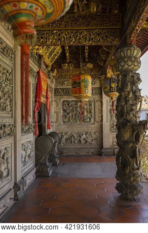 Penang, Malaysia - February 14,2019 : Elaborate Detailed Of Leong San Tong Khoo Kongsi Clanhouse In