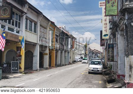 Penang, Malaysia.  August 19, 2017.  Traffic On The City Streets Within The City Of Penang, Malaysia