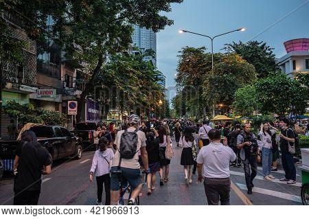Bangkok/thailand-29/10/2020:anti-government Mob Protester Walking On Silom Road.thailand Anti-govern