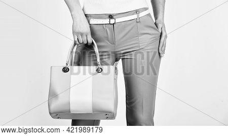 Versatile Handbag Colors. Sexy And Confident Blond Carry Shoulder Bag. Handbag Fashion And Beauty. T