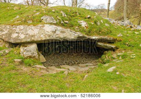Stone age burial site in Western Scotland