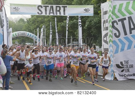 Color Runners Start The Race