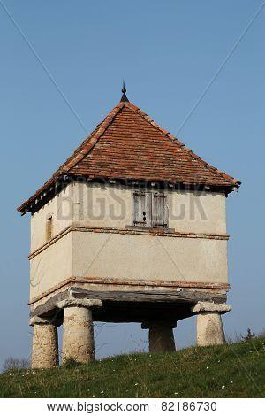 Old dovecote in Cluny