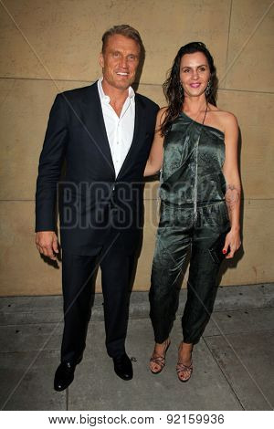 LOS ANGELES - MAY 6:  Dolph Lundgren, Jenny Sanderson at the
