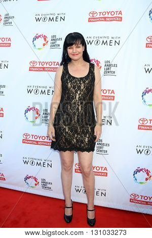 LOS ANGELES - MAY 21:  Pauley Perrette at the An Evening With Women 2016 at Hollywood Palladium on May 21, 2016 in Los Angeles, CA