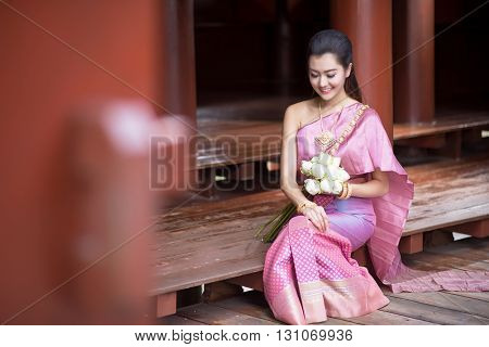 Thai Girl Dresses Thai Traditional Costume At Traditional Thai House