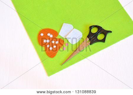 Felt sheets, scissors,felt details - sewing set for the felt mushroom. Tutorial