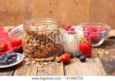 homemade granola with yogurt and berry