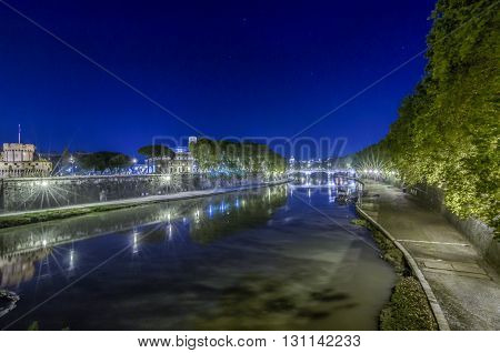 Italy Rome Lungotevere - It was 17/10/2013 in Rome and this is a shot session got in the night with long time exposure.