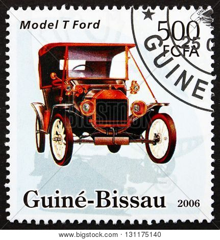 GUINEA-BISSAU - CIRCA 2006: a stamp printed in Guinea-Bissau shows Model T Ford Classic Car circa 2006