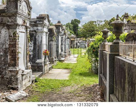 Grave Site At The Saint Louis La Fayette Cemetery No 1