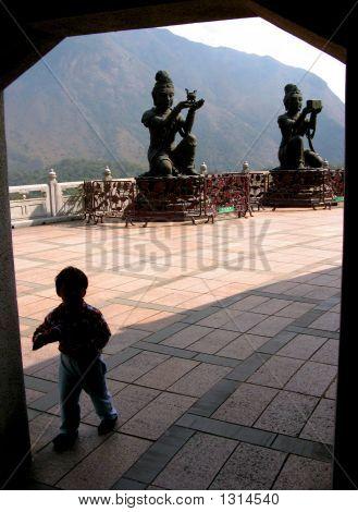Statue Child