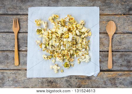various flavored popcorn : salty popcorn and green tea popcorn