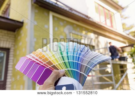 choosing a paint color for house exterior facade