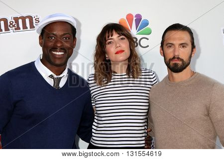 LOS ANGELES - MAY 26:  Sterling K. Brown, Mandy Moore, Milo Ventimiglia at the Red Nose Day 2016 Special at Universal Studios on May 26, 2016 in Los Angeles, CA
