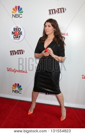 LOS ANGELES - MAY 26:  Mayim Bialik at the Red Nose Day 2016 Special at Universal Studios on May 26, 2016 in Los Angeles, CA