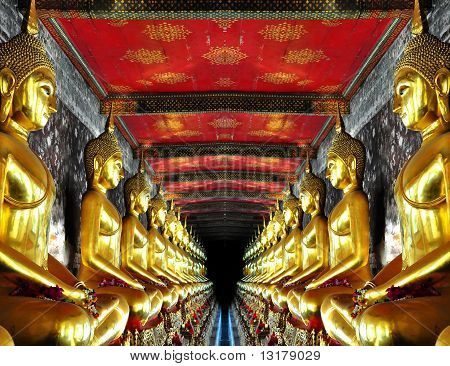 Tunnel of buddha statues