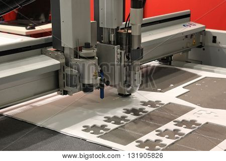 High precision CNC sheet plastic stamping and punching machines