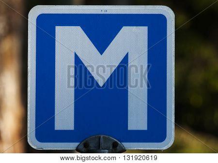a meeting sign indicating a meeting spot
