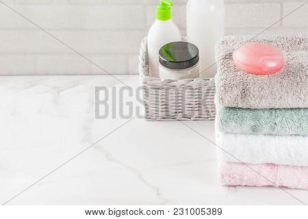 Stack Clean Bath Towels