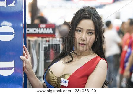 Bangkok-thailand-3 December 2017: Unidentified Female Presenters Model At Booth  At Motor Show Muang