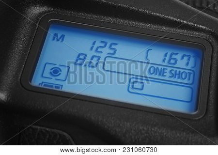 Digital Photo Camera Display With Exposure And Diaphragm Information. Screen