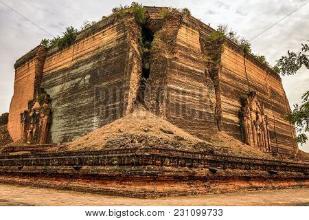 Ruins Of The Pahtodawgyi Pagoda, Also Known As Pa Hto Taw Gyi, Damaged By An Earthquake In Mingun, M