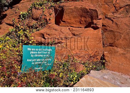 Sign Protecting The Fragile Environment Amongst The Red Rocks Of The Sedona, Arizona Mountains