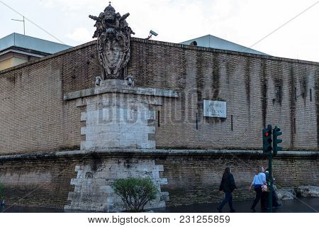 Vatican City, March 06, 2018: Front Picture Of Bricky Wall Showing The Direction Of Vatican Museum I