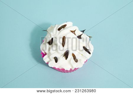 Cupcake Rose Thorns Blue
