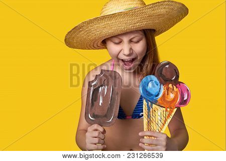 Girl In Straw Hat Looks At Ice Cream.emotion Face Closeup.cheerful Young Woman Teenager Loves Vacati