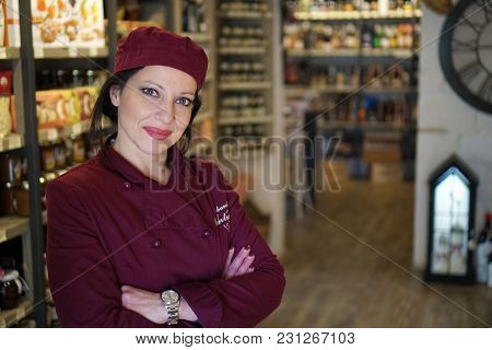 Alberobello, Italy- 03/10/2018 Wine And Food Shop In Alberobello With Rstaurant
