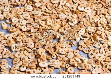 Ddry Garlic Or Dry Garlic Image Use For Garlic Background, Close Up