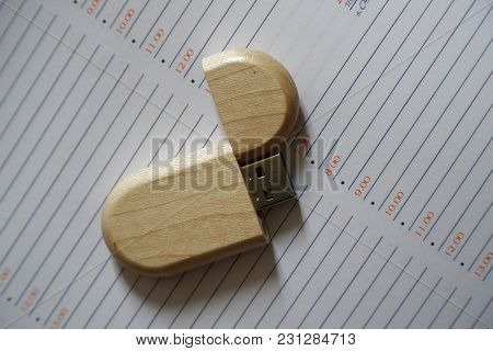 Usb Flash Drive With Wooden Surface On Note Page For Usb Port Plug-in Computer Laptop For Transfer D