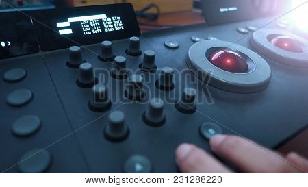 Color Grading Adjusting Controller Equipment For Movie