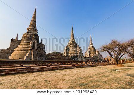 Wat Phra Si Sanphet Ayutthaya -: December 26, 2017:-  Ayutthaya Historical Park Has Been Considered