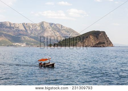 Kotor, Montenegro - September 17: Quick Red White Boat Floating In The Bay With Tourists In The Euro