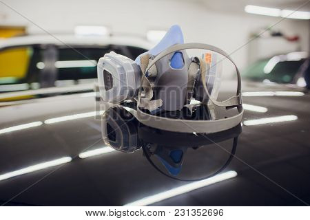 Respirator For Work On Construction On A Car