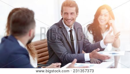 employees discuss work issues