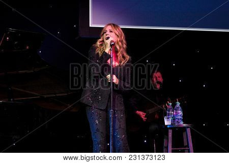 LOS ANGELES - MAR 13:  Rita Wilson at the Fulfillment Fund Gala at Dolby Theater on March 13, 2018 in Los Angeles, CA