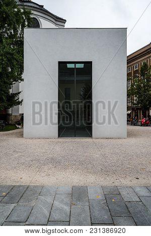 Salzburg, Austria - August 6, 2017: Pavilion In Max-reinhardt-platz In Salzburg A Cloudy Day