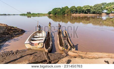 Omorato, Omo Valley, Ethiopia - September 2017: Traditional Dassanech Boats On The Omo River. Dugout