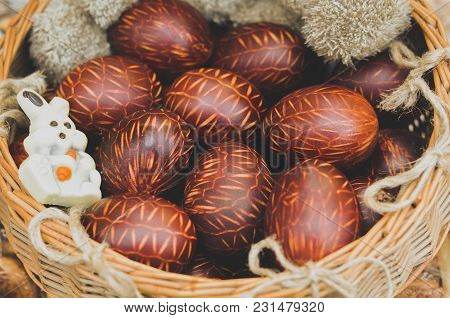 Brown Painted Beautiful Easter Eggs, Easter Background