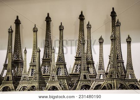 Set Of The Little Model Eiffel Towers