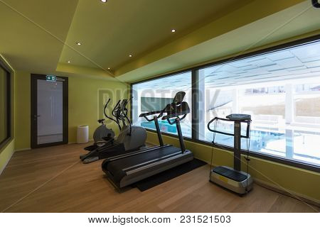 Gym of a private residence. Latest generation tools. Nobody inside