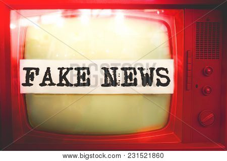 Fake News Red Old Tv Text Vintage Retro .