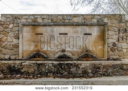 Monastery Of Santa Maria De Poblet, Catalonia, Source Of Abad Siscard