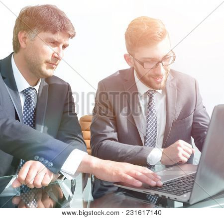Business colleagues discuss working issues