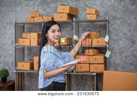 Young Entrepreneurs Success In Doing Business. Shipment Online Sales.